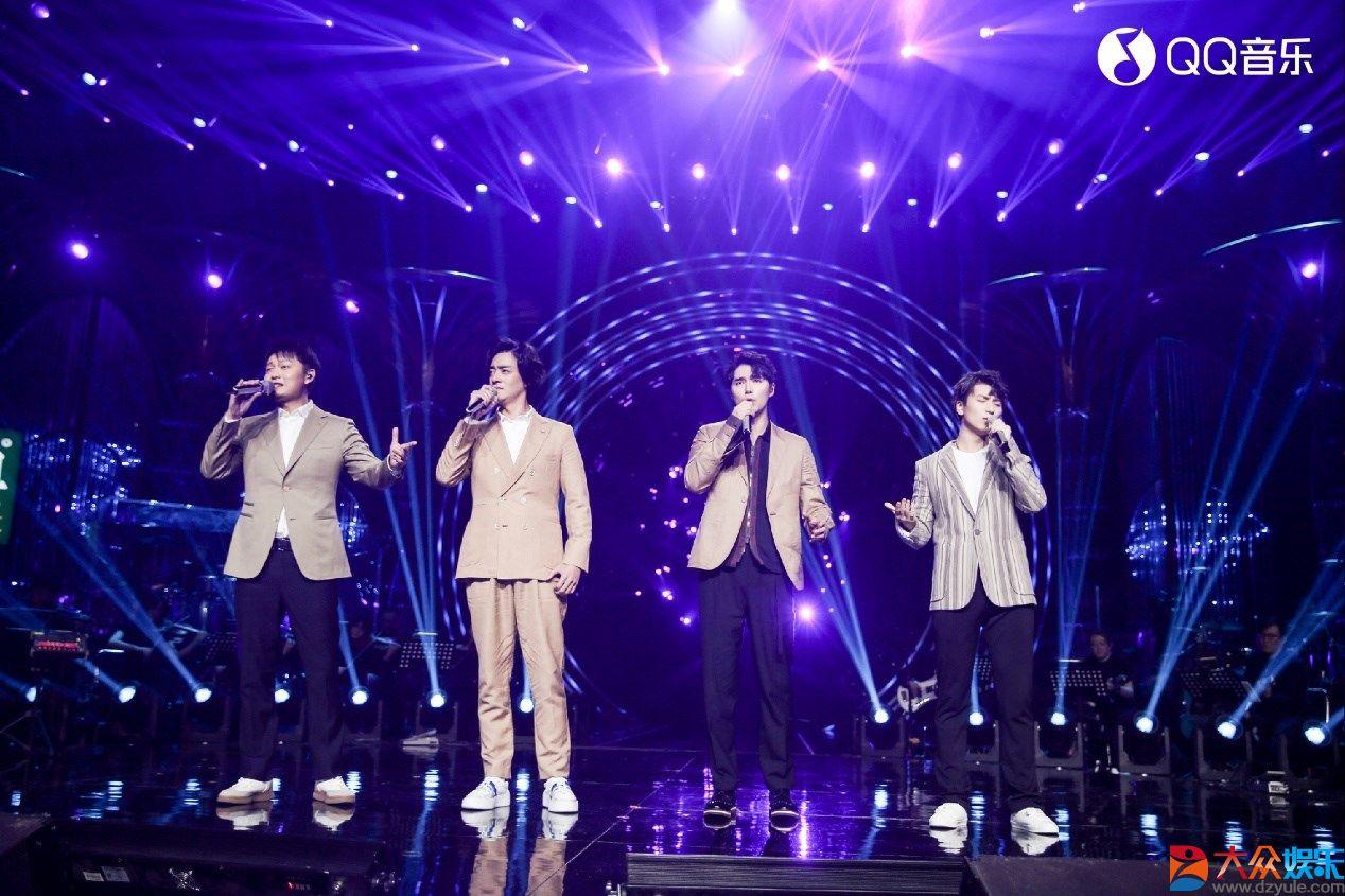 《歌手》吴青峰温柔演绎《逃亡》,实力上榜QQ音乐人气金曲榜