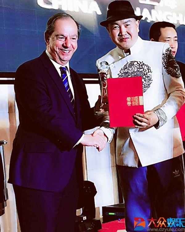 青年艺术家,音乐人词曲作家张峻品受邀参加国际领袖峰会
