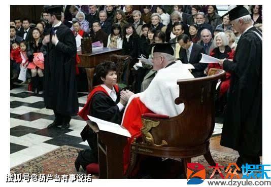 47岁邓亚萍近况,家庭生活幸福美满,她的儿子如今已进专业队