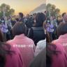 邓超鹿晗新综艺遭路人围堵,工作人员大喊:不拍了,你们等也没用