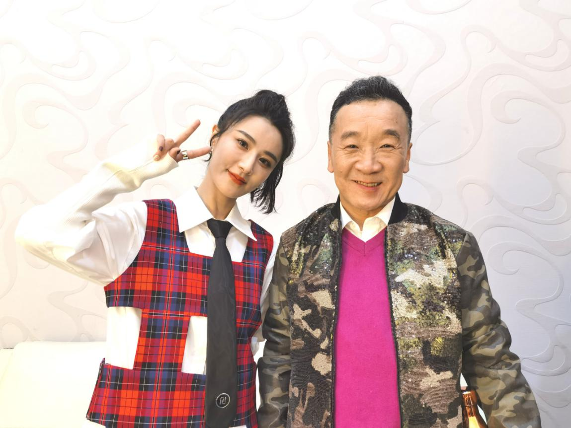 刘亚津、薇娅携手录制安徽卫视春晚小品,备受关注