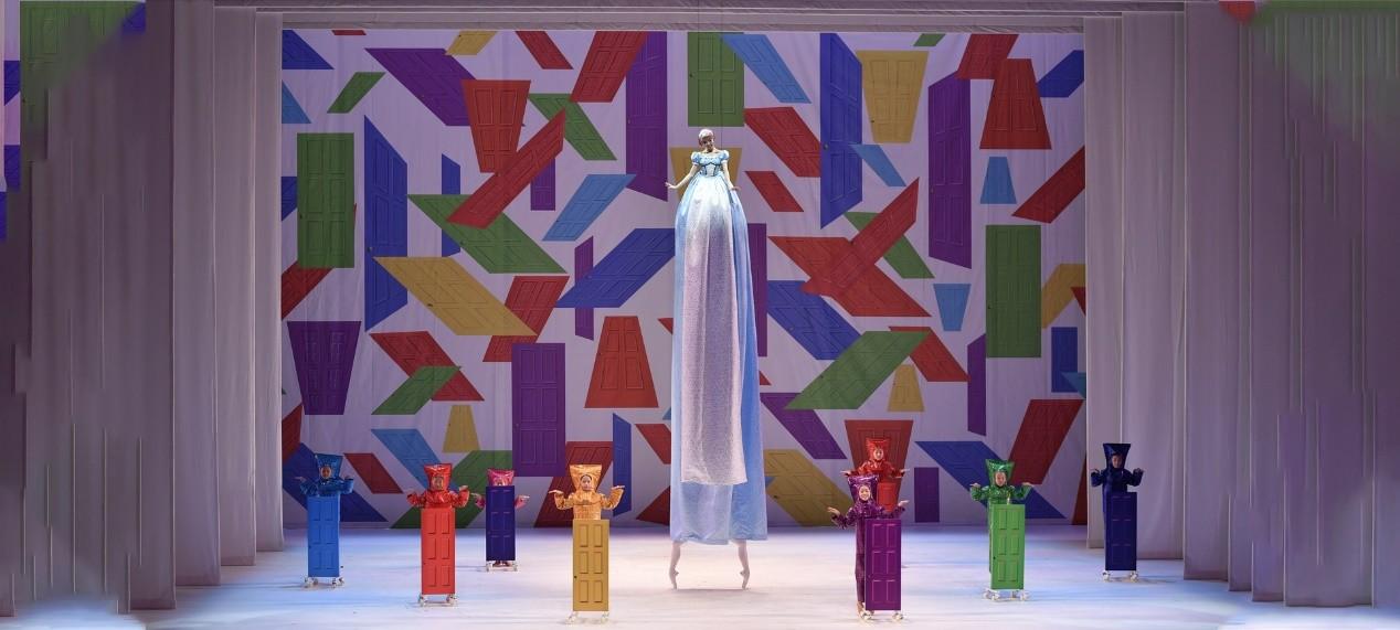香港芭蕾舞团创意力作《爱丽丝梦游仙境》正在线上放映中